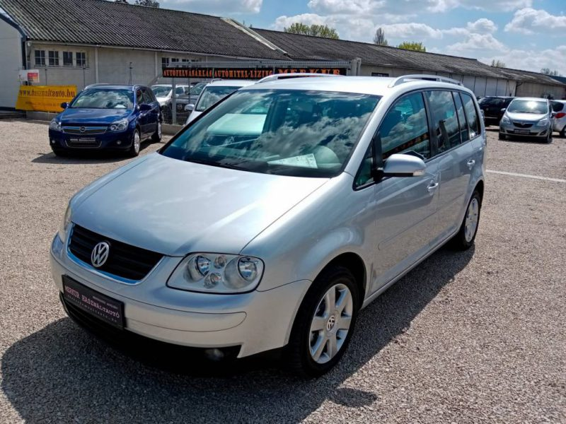 VOLKSWAGEN TOURAN TDI Highline (2004)